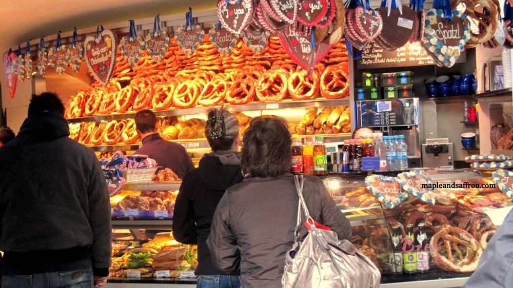 Maple&Saffron walking in Munich