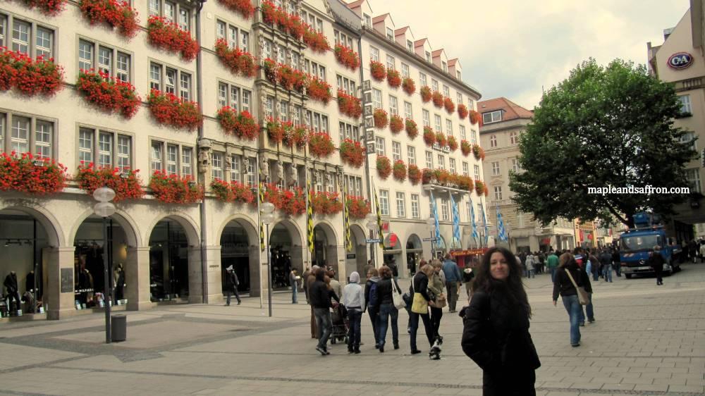 Maple&Saffron walking in Munich2