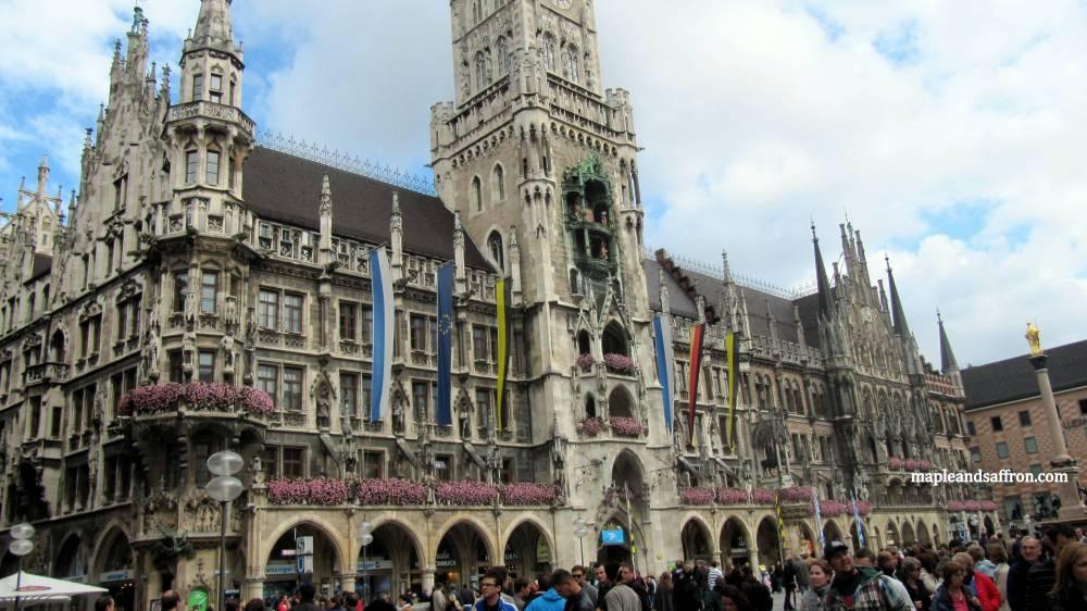 Maple&Saffron walking in Munich3