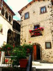 maplesaffron-abruzzo-tours-mountain-town8