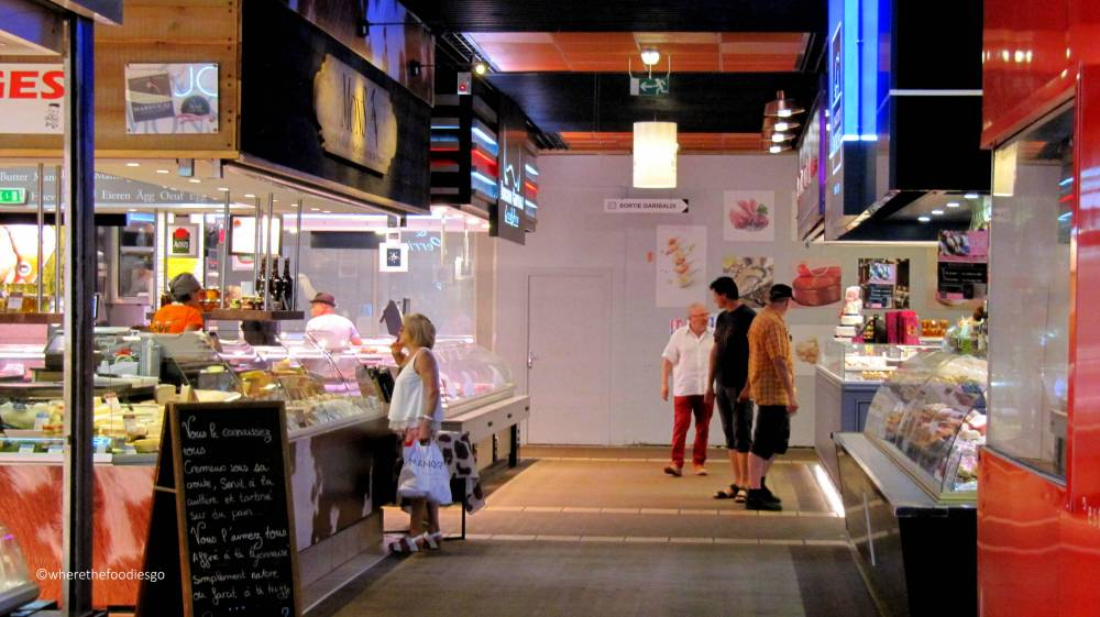 les halles Lyon - where the foodies go17